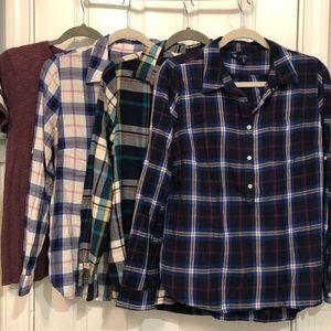 3 Shirt flannel lot Gap & ON Medium & free Tshirt
